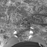 Póki co jednak trzeba zamienić buty na sandały i brodzić, brodzić, brodzić.