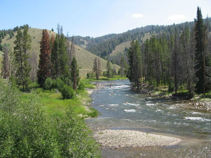1200px-Salmon_River.JPG